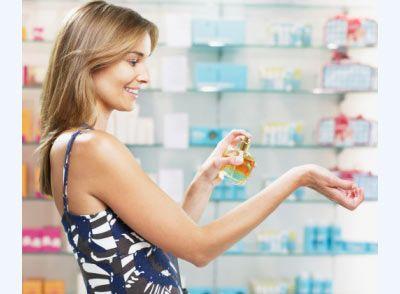 Parfüm  Asla ağır kokular kullanmayın. Hafif, çiçeksi aromalardan yapılmış parfümleri tercih edin. Parfümünüzle banyo yapmayın, az sıkın, gerekirse tazelersiniz.